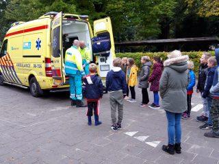 Ambulance bij Tormijnschool in Noordijk - Nieuws uit Berkelland